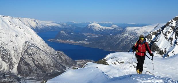 NORVEGIA TRA CIELO E MARE – Scialpinismo nei fiordi di Odino